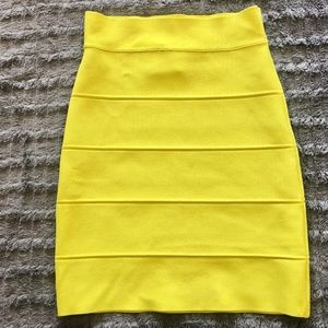 BCBGMaxAzria Textured Power Skirt Size XS Citrine
